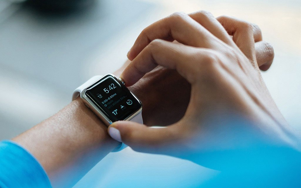 smartwatch and fitness tracker reviews